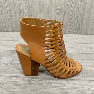 Dolce Vita Tan Gladiator Stacked Heel Sandals 9